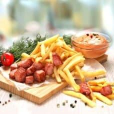 Картофель фри с беконом, соус «Лечо»