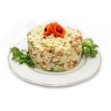 Салат «Обжорка» (ветчина, морковь, огурец маринованный, яйцо, картофель, майонез, сыр)