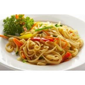 Лапша удон с овощами в кисло-сладком соусе