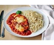 Отбивная из курицы, спагетти в соусе «Карри»