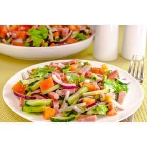 Салат «Овощной с ветчиной» (капуста, перец болгарский, огурец свежий, ветчина, зелень, заправка горчично-растительная)