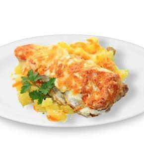 Макрель запеченная с овощами и сыром, картофель тушеный