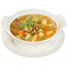 Суп картофельный с зеленым горошком, мясом птицы и зеленью