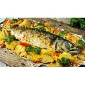Рыба запечённая с овощами под сыром, картофель тушеный