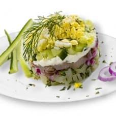 Салат «Селедочный» сельдь шеф-посола, картофель, огурец, яйцо
