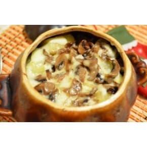 Жаркое с грибами в горшочке