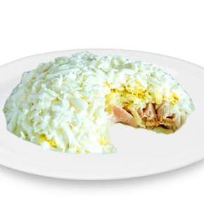 Салат «Славянский» (ветчина, отварной картофель, морковь, яйцо, свежие огурчики, горошек маринованный, майонез, зелень)