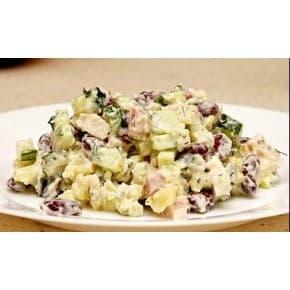Салат Деревенский (картофель, огурец консервированный, яйцо, фасоль, чесночно-майонезный соус)