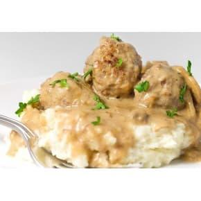 Тефтели в сливочно-грибном соусе, пюре картофельное